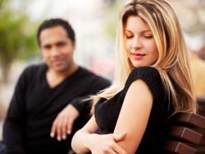 Помощь жестов и невербалики в определении заинтересованности у мужчины
