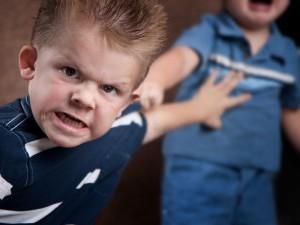 Агрессивность к окружающим