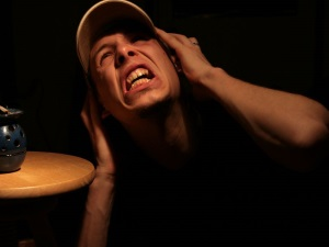 Слуховые галлюцинации при параноидном синдроме