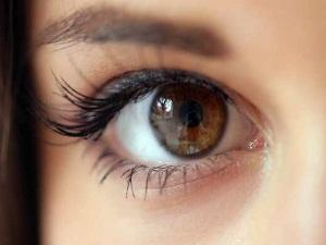 Карие глаза, означающие надежность, мечтательность и трудолюбие