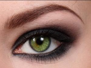 Зеленые глаза, означающие прямолинейность и принципиальность