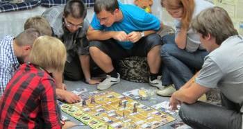 Польза развивающих игр для взрослых