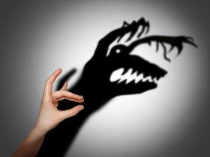 Неадекватное восприятие действий окружающих при паранойе
