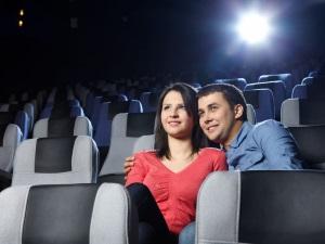 Первый поцелуй в кинотеатре