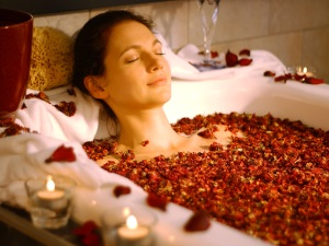 Польза теплой ванны перед сном