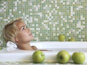 Принятие ванны для успокоения нервов